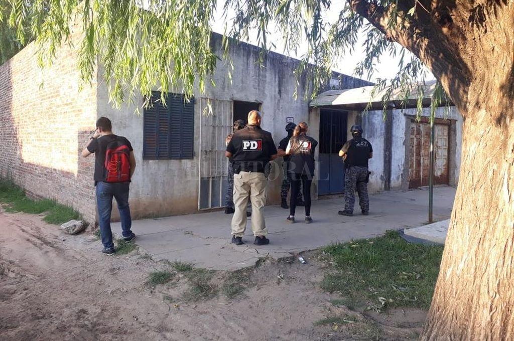 Se secuestró un arma de fuego, se recuperó una vivienda usurpada y se devolvieron muebles y electrodomésticos a una familia. Crédito: El Litoral