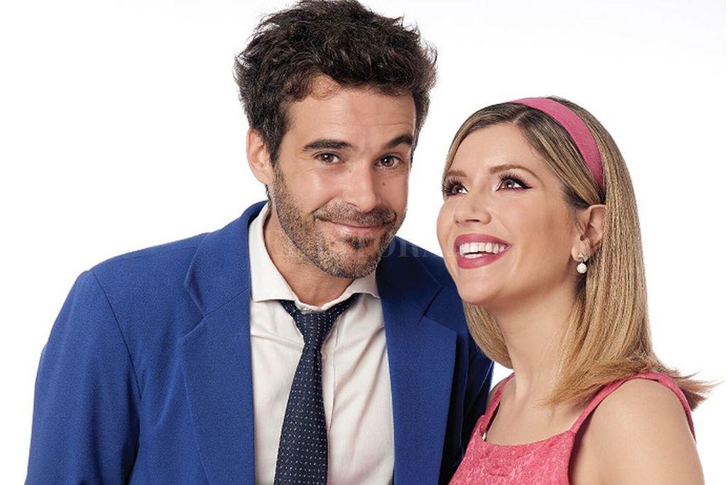 Laurita Fernández y Nicolás Cabré, en los roles en los que brillaron Shirley MacLaine y Jack Lemmon <strong>Foto:</strong> Gentileza producción