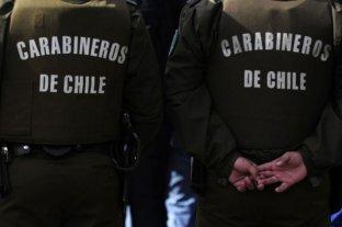 Siguen los ataques a comisarías chilenas: cinco carabineros heridos por perdigones