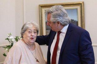 """Alberto Fernández destacó la """"honestidad"""" de Hebe de Bonafini y su """"lucha inclaudicable"""""""