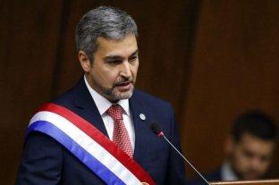 El presidente de Paraguay tiene un cuadro febril y no descartan que padezca dengue