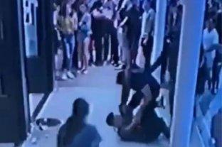"""Un turista atacó a un mozo en Pinamar al grito de """"Me vas a atender cuando yo te digo"""""""