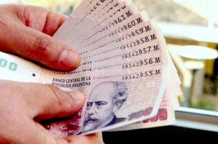 Ocho de cada 10 argentinos paga en efectivo antes que con plástico