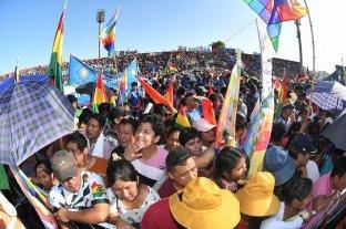 Evo Morales reivindicó sus 14 años de gobierno ante multitud de compatriotas