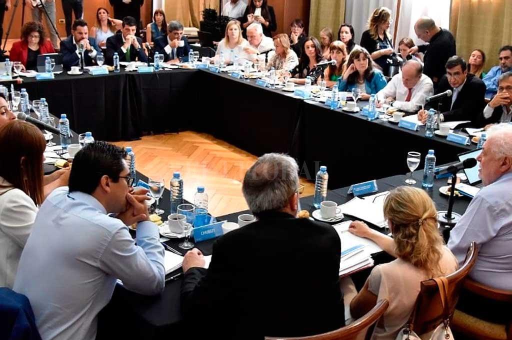 Santa Fe trabaja con Nación por sarampión, dengue, hantavirus - Consejo Federal de Salud, COFESA. -