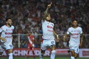 Unión golpeó de entrada y le gana Argentinos