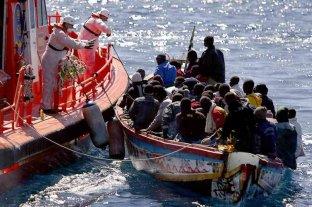 Rescatan a 59 migrantes a la deriva en el mar Mediterráneo