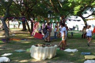 Verano Capital invita a recuperar las rondas de la infancia en la ciudad - Vacaciones Rodantes, es el nombre de la actividad que despliega el Municipio, de lunes a viernes a las 18, en la Costanera Oeste. -