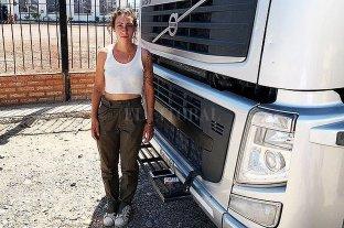 Tras dos días de protesta, le entregaron un camión a la compradora atrincherada