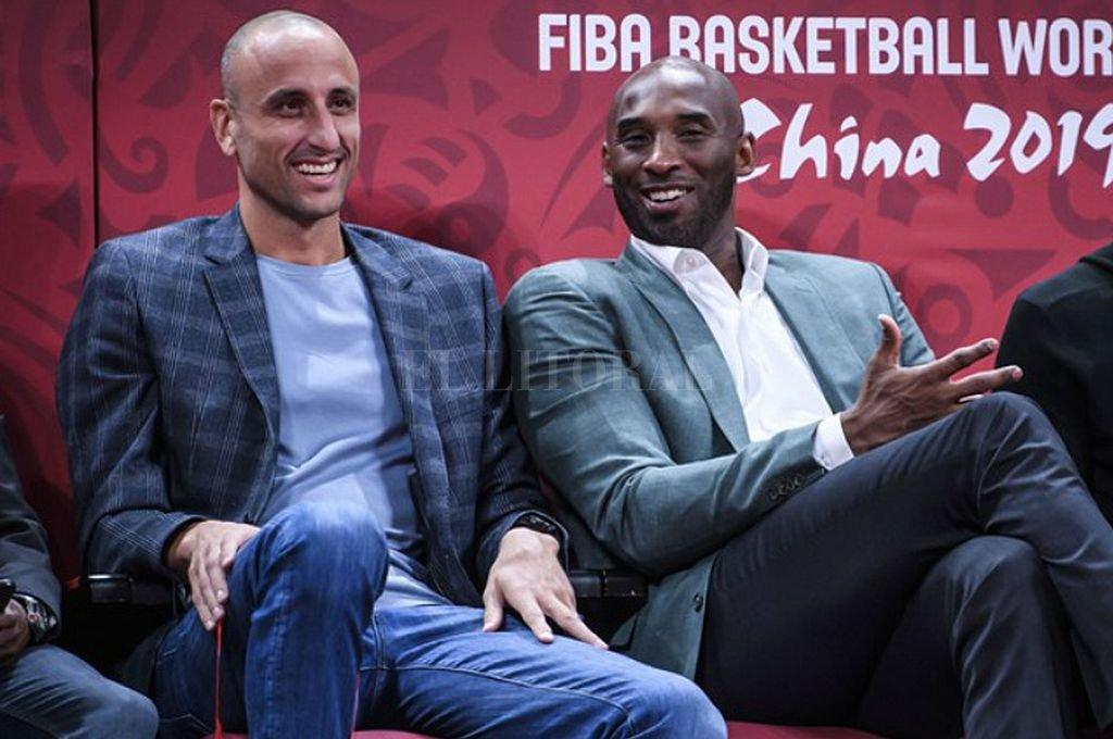 Ginóbili y Bryant estuvieron juntos el año pasado durante el Mundial de Básquet, en China. <strong>Foto:</strong> Captura digital