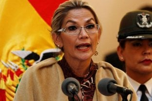 Bolivia: Áñez pidió la renuncia de todos sus ministros