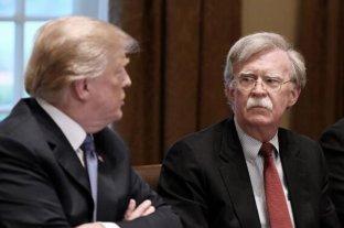 Trump niega haber dicho a Bolton que la ayuda a Ucrania estaba condicionada