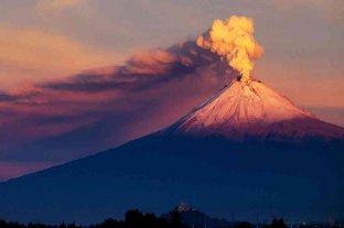 México: el volcán Popocatépetl registró dos explosiones