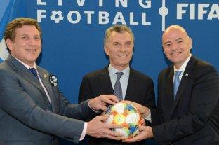 AFA y Superliga se suman a las críticas por la designación de Macri en la Fundación FIFA -  -