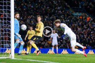El Leeds de Bielsa dio vuelta un 2-0 y es líder en la segunda división de Inglaterra
