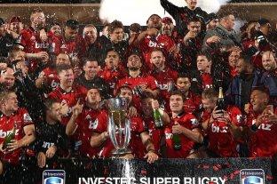 Asoma un certamen de enorme dimensión - Crusaders, la franquicia neozelandesa que con 10 títulos, es la que prevalece en el historial. En este caso, el plantel celebrando la conquista de 2019, tras vencer ajustadamente a Jaguares en Christchurch. -