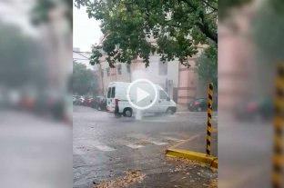 "Video: ""géisers"" en pleno macrocentro de la ciudad"