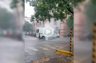 """Video: """"géisers"""" en pleno macrocentro de la ciudad"""