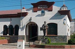 Escándalo en Soldini: un inspector espiaba a mujeres con una cámara oculta