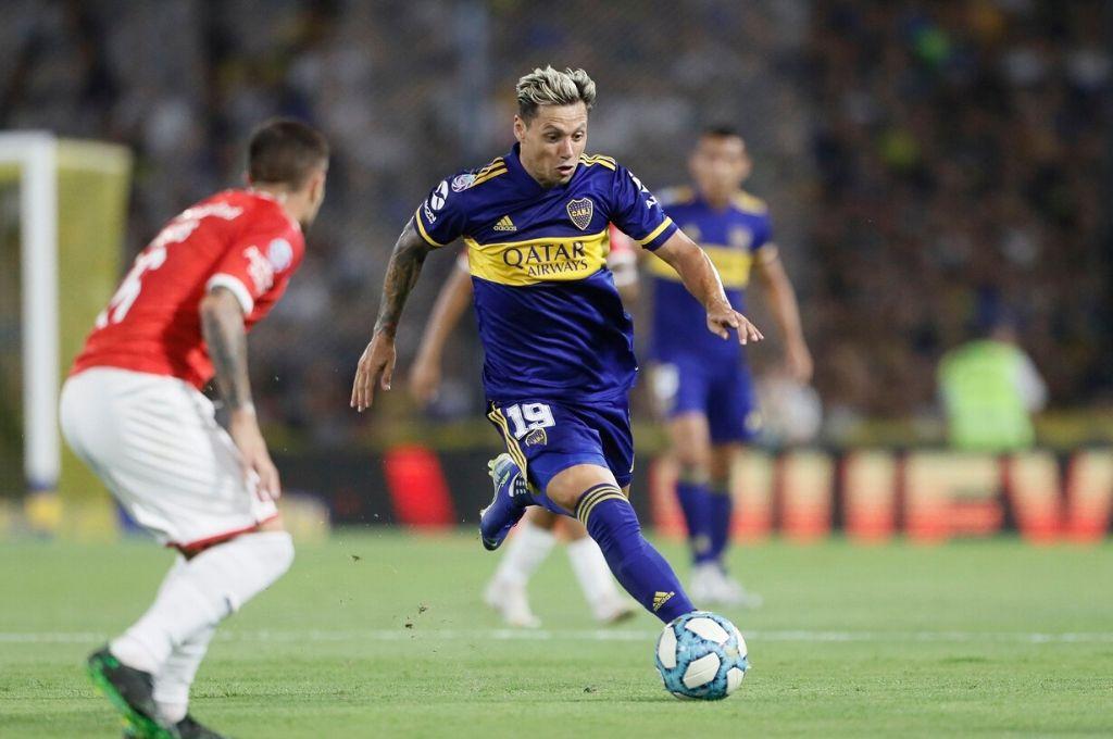 Mauro Zárate no podrá jugar el domingo ante Talleres por la lesión que sufrió frente a Independiente.   <strong>Foto:</strong> Gentileza @BocajrsOficial