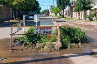 Preocupa el estado de las calles y la basura acumulada en Barrio Los Hornos