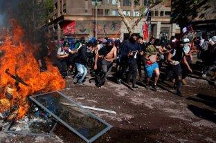 Otra noche de furia en Chile contra la violencia policial, tras atropello y muerte de manifestante