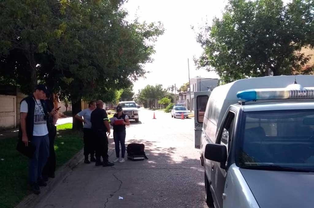 Momentos después del hecho, la policía trabajaba en el lugar. Crédito: El Litoral