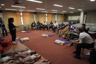 Continúan los cursos de RCP brindados por Fundación Osde