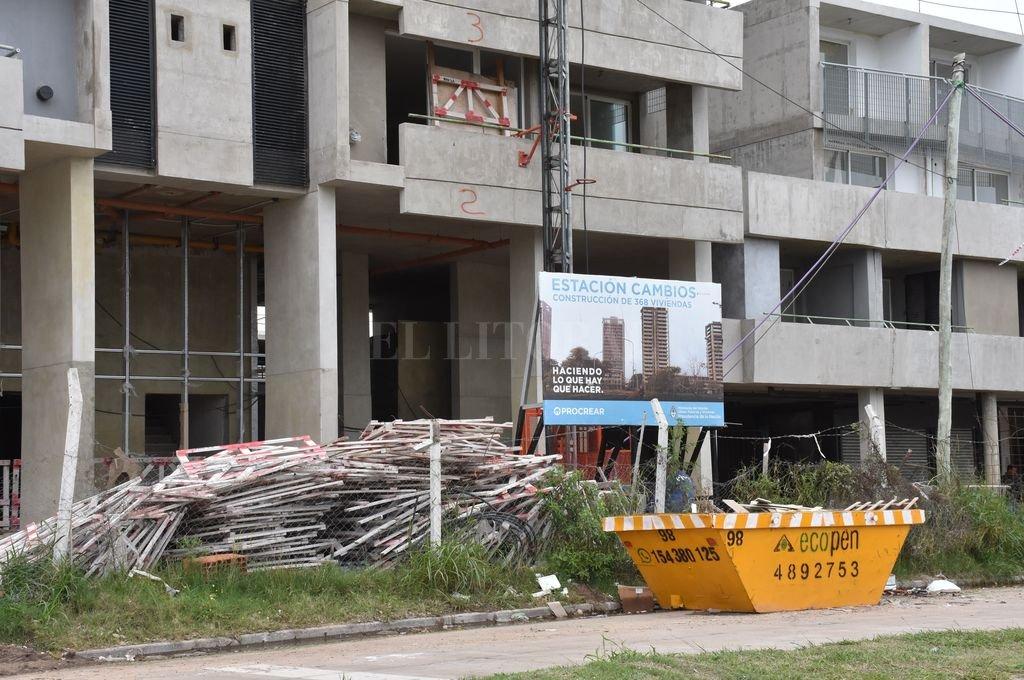 El registro gráfico es del 5 de mayo del año pasado, cuando se frenaron las obras tras el retiro de la contratista. Crédito: Flavio Raina / Archivo El Litoral