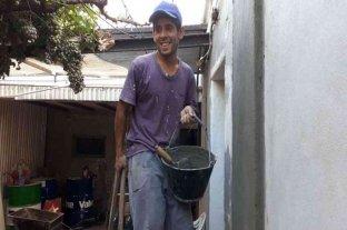Un albañil encontró 250.000 pesos entre los escombros de una obra y los devolvió