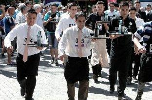 Mar del Plata: 120 participantes en la Maratón de Mozos y Camareras