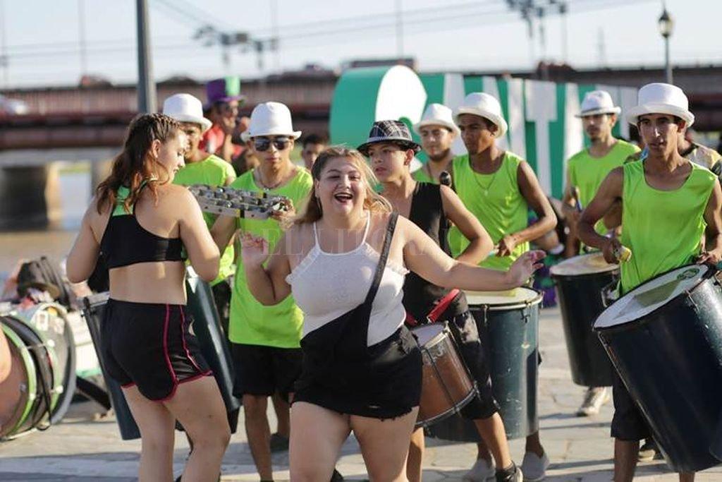 Los carnavales serán una oportunidad para visibilizar y conocer la tarea cotidiana de las organizaciones, como así también de acompañar el crecimiento de los distintos proyectos, enlazados al trabajo social, la cultura, la educación, el deporte y la identidad de cada territorio. <strong>Foto:</strong> Gentileza Municipalidad de Santa Fe