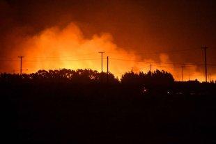 Incendios y destrozos en Puerto Madryn