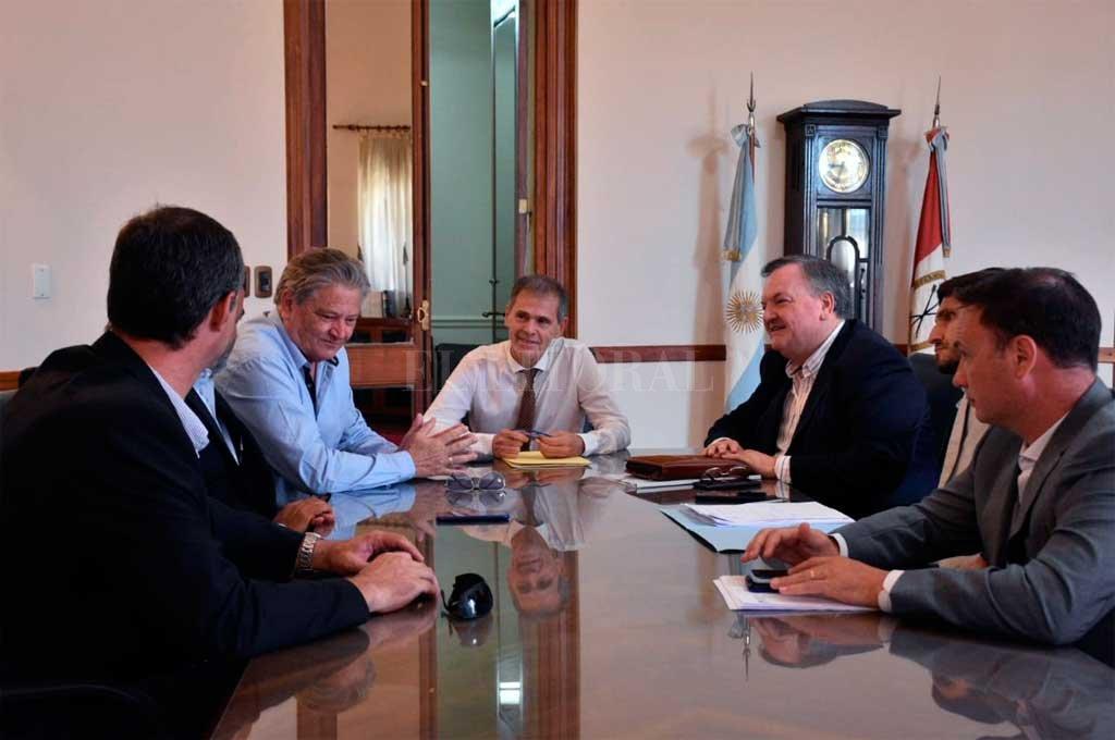 El encuentro se realizó este lunes al mediodía en el despacho del ministro Borgonovo. Crédito: Mauricio Garín