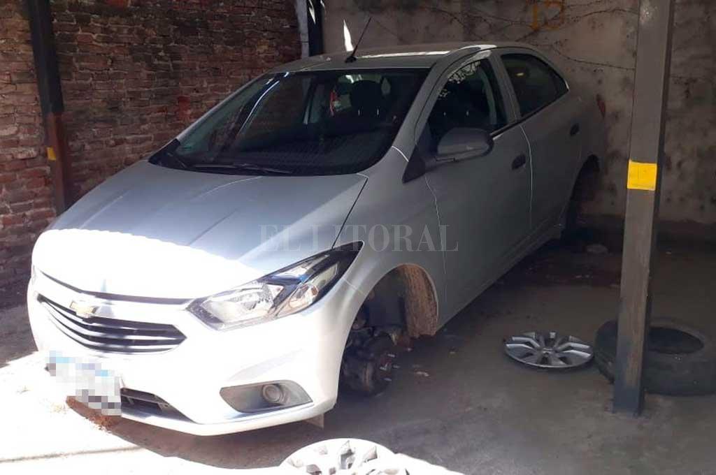 Uno de los coches atacados fue un Chevrolet Prisma <strong>Foto:</strong> Gentileza