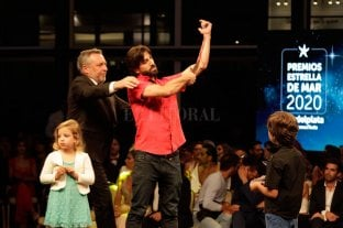 Polémica: Actor simuló cortarse las venas en la entrega de los Estrella de Mar
