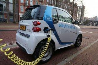 Reino Unido prohibirá la venta de autos a nafta y diésel en 2035