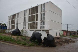 Harán la obra eléctrica en el complejo de viviendas de barrio Barranquitas