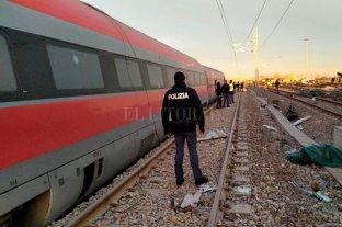 Dos muertos tras descarrilar un tren en el norte de Italia