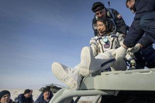 Regresó a la Tierra la astronauta que batió el récord femenino de permanencia en el espacio