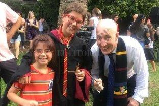 """Los fanáticos argentinos celebran la """"Harry Potter Book Night"""""""