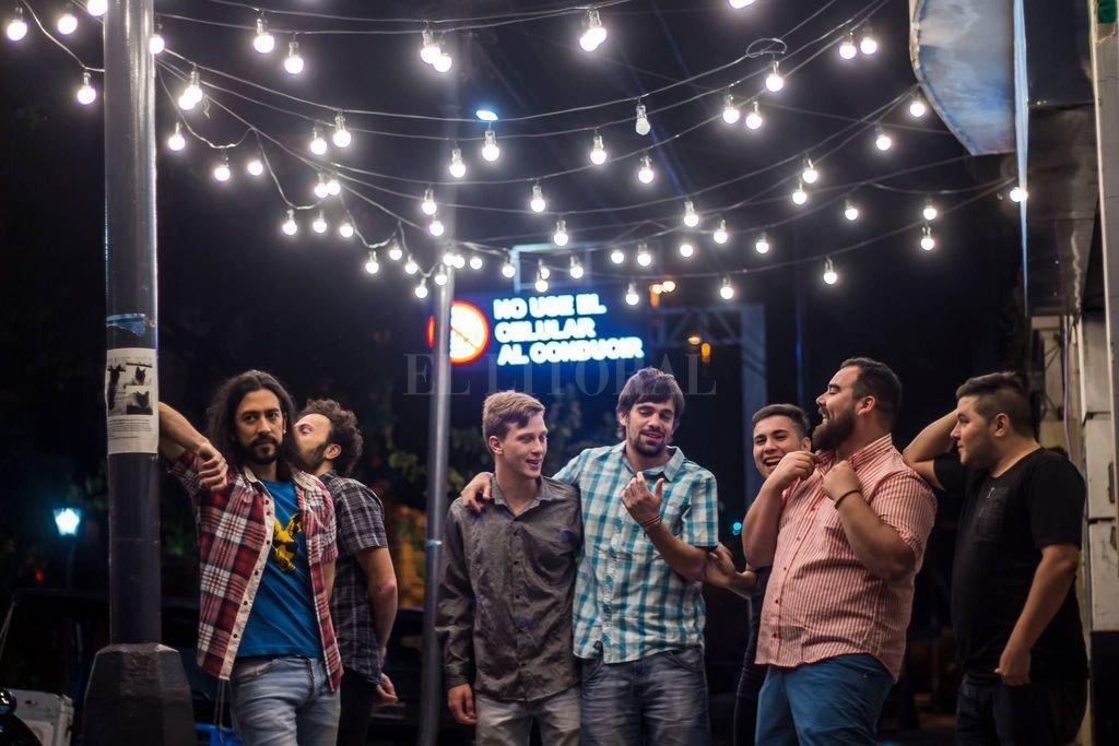 A finales de 2013, un grupo de amigos y conocidos comenzaron a trabajar para formar Los Kanguros, desde la autogestión y con amor por la música.  <strong>Foto:</strong> Gentileza producción