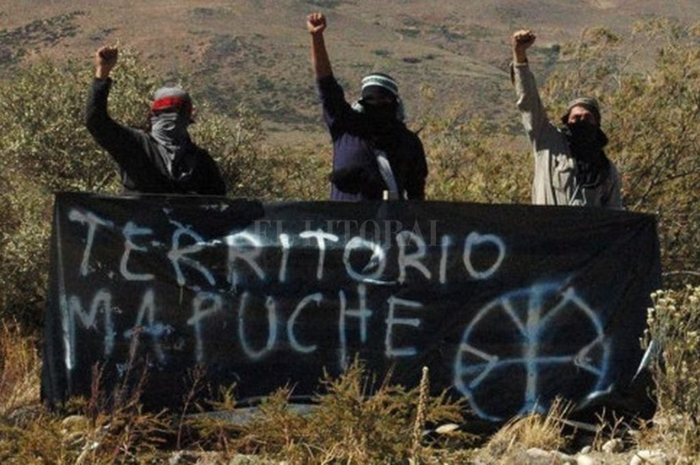 """Un grupo de mapuches reclama vastos territorios del sur de Argentina y Chile invocando su calidad de """"originarios"""".  <strong>Foto:</strong> Archivo El Litoral"""