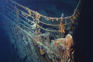Un submarino británico chocó contra el Titanic y acusan a Estados Unidos de ocultarlo