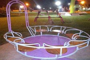 San Carlos Norte: restauraron la  tradicional calesita de la plaza