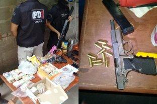 Detuvieron a dos personas y secuestraron armas y drogas tras 10 allanamientos en Rosario