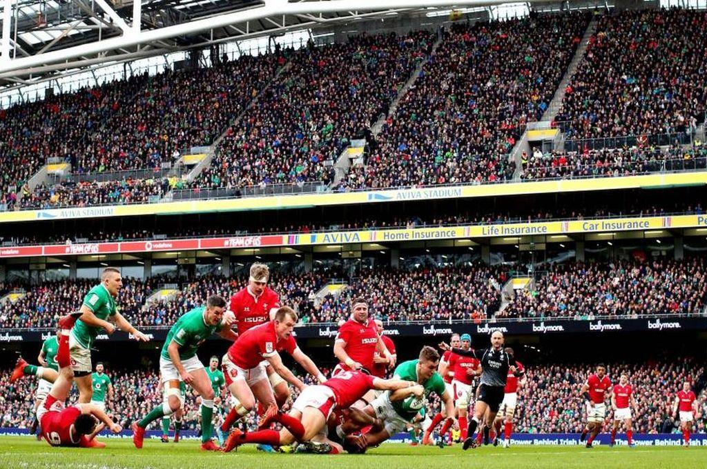 El Aviva Stadium fue escenario del mejor de los dos partidos que marcaron el inicio de la segunda fecha. Los irlandeses dejaron sin invicto al campeón-defensor. <strong>Foto:</strong> Gentileza sixnations.com