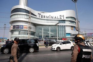 Se elevan a 27 los muertos en el ataque en un centro comercial en Tailandia