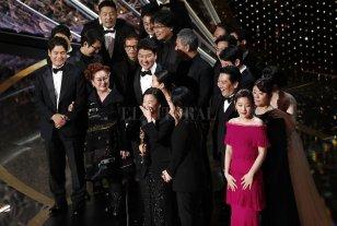 """""""Parásitos"""" hizo historia en los Oscar"""