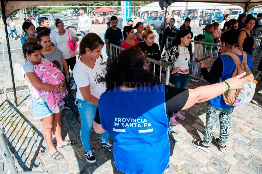 Comienza la entrega de la tarjeta AlimentAR en Santa Fe - En Rosario ya se entregó la tarjeta. -